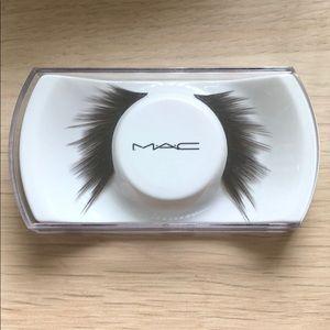 MAC Cosmetics 42 lashes